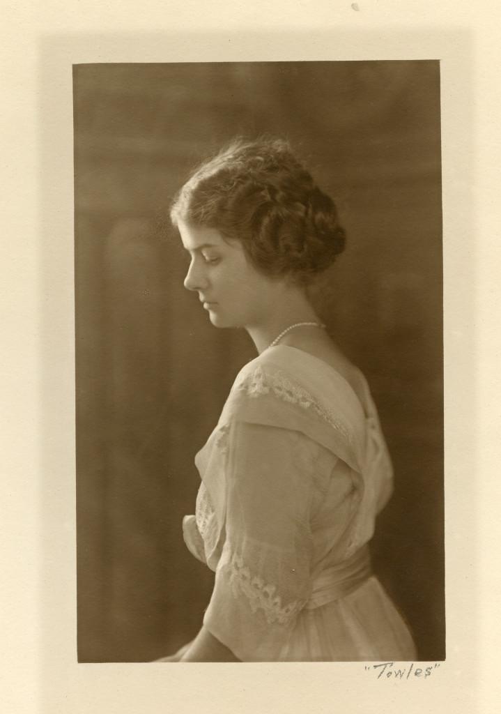 Ruth Wales du Pont, 1918