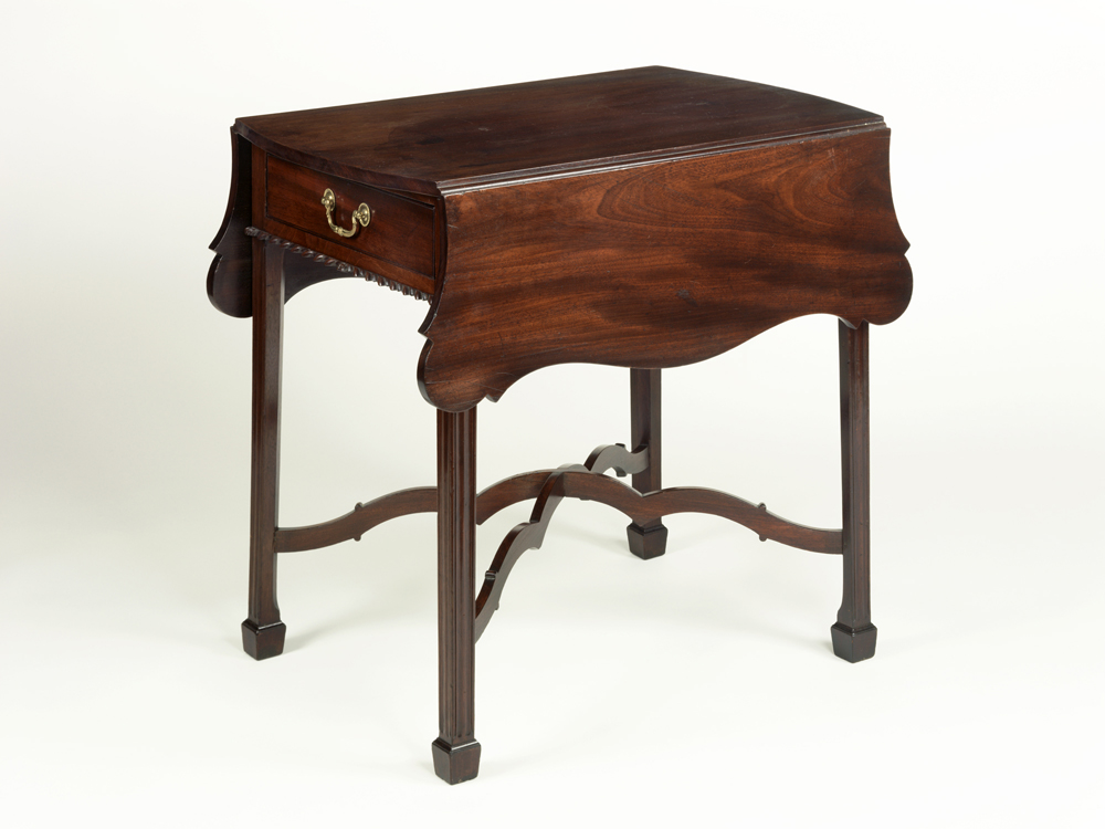 Pembroke table, Adam Hains, Philadelphia, Pennsylvania, 1790–95. Gift of Henry Francis du Pont, 1957.669.