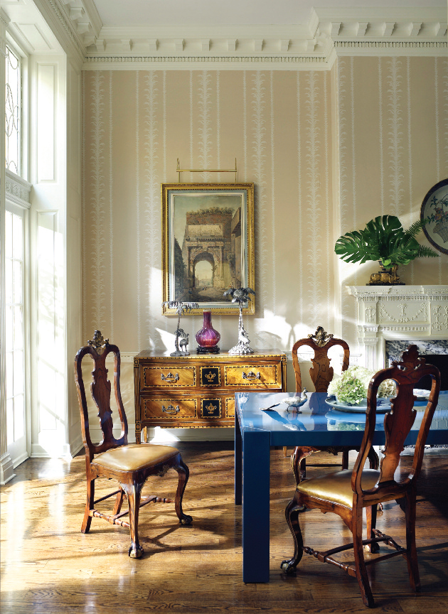 The dining room of a Philadelphia townhouse with a Karl Springer Parsons table and Portuguese chairs. Photo, Pieter Estersohn