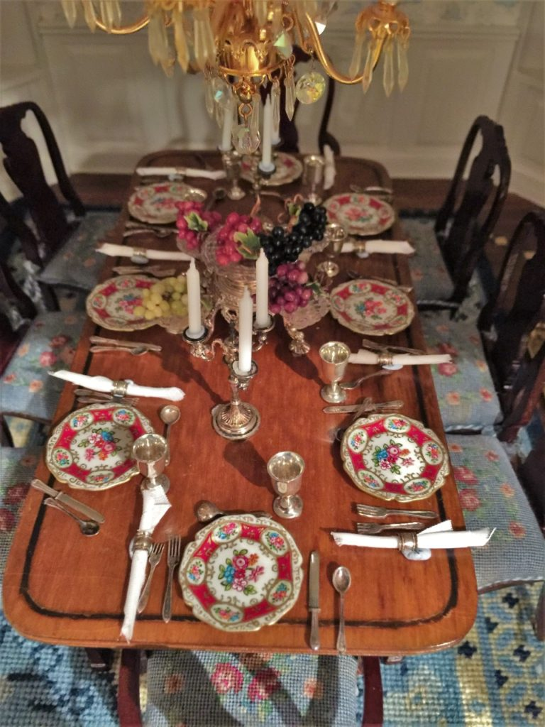 Room6-4- dinning room table setting close up