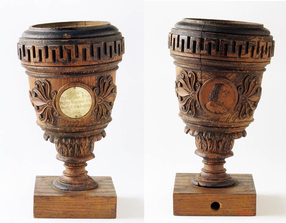 George Magraph, Urn (front and reverse), ca. 1813, elm and brass, 12 7/8 x 6 ¾ in., Museum purchase with funds provided by the Special Fund for Collection Objects 1992.28